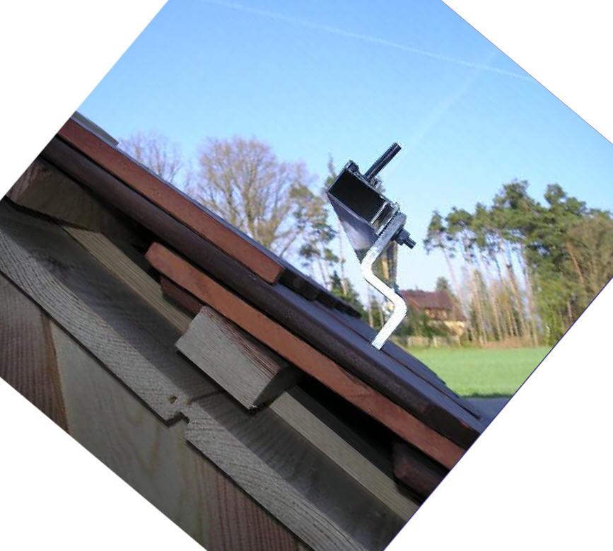 Dachschienen und Dachhaken montiert Vakuum Röhrenkollektoren HL-VRK-20 und 30 Killus-Technik.de