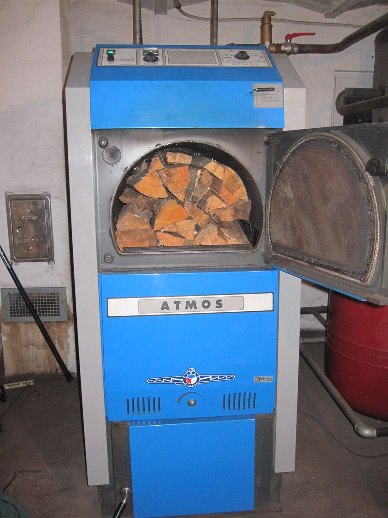 ATMOS Holzvergaserkessel GSX50 an 5.000 Litern Pufferspeicher bereits angezündet und kein Rauchaustritt! Killus-Technik.de