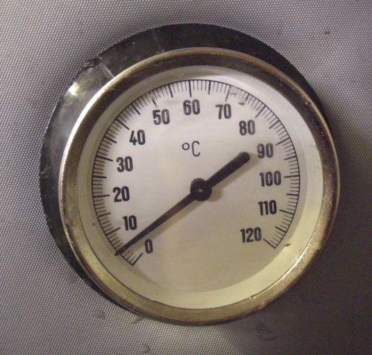Thermometer in Speicher eingebaut Killus-Technik.de